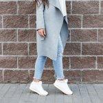 Sepatu memang jadi item fashion yang saat ini jadi barang wajib punya. Kalau  ingin tampil keren, kamu tentu harus mempertimbangkan kualitas sepatu yang kamu kenakan. Sudah tak asing dengan merek H&M? Kamu juga bisa coba varian sepatu berkualitas yang mereka punya lho!
