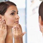 झुर्रियों को रोकने और ठीक करने के लिए अपने चेहरे पर इन 8 सर्वश्रेष्ठ घरेलू उपचारों का उपयोग करें। झुर्रियों से छुटकारा पाने के लिए सौंदर्योपचार प्रक्रियाएं।(2020)