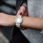 Jam tangan adalah salah satu aksesoris pendukung bagi wanita yang saat ini tak boleh ketinggalan. Kalau kamu ingin memiliki jam tangan original yang berkualitas, kamu bisa cek rekomendasi jam tangan Alba yang cantik berikut ini!