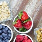 Nhiều người vẫn cho rằng giảm cân thì không nên ăn vặt. Tuy nhiên, hiện nay trên thị trường đã xuất hiện nhiều loại đồ ăn vặt không chỉ hỗ trợ giảm cân hiệu quả mà còn tốt cho sức khỏe người dùng. Hãy cùng Bp-guide tìm hiểu top 10 món đồ ăn vặt dành cho người giảm cân an toàn và hiệu quả qua bài viết dưới đây nhé!