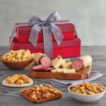 Whether you're gifting for a friend who loves chocolate, an oenophile, or a passionate gourmand, there's a food gift out there that are perfectly tailored to their palate. A tasty DIY food gift is the present everyone loves. We have fun food gift ideas for everyone on your list. And with our tips, these homemade edible gifts will be the prettiest gifts under the tree.