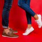Meski berada di paling bawah, sepatu tetap menjadi unsur penting dalam fashion. Dandanan kamu bisa semakin sempurna atau malah menjadi jelek karena sepatu. Sebelum memilih sepatu terkini atau model trendi, simak dulu ulasan BP-Guide di bawah ini, yah.