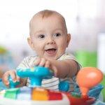 Melihat anak mulai belajar berjalan tentu akan membuat orang tua bahagia. Di sisi lain, hal ini harus diiringi dengan pengawasan dan bantuan dari orang tua. Baby walker dapat menjadi salah satu alat bantu yang dapat digunakan agar anak Anda dapat belajar berjalan dengan aman dan tetap dalam pengawasan.