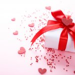 Ngày 20/10 sắp đến rồi, nếu bạn vẫn chưa biết chọn quà gì cho người phụ nữ yêu thương mà lại phù hợp với túi tiền của mình thì những gợi ý dưới đây sẽ rất hữu ích đấy. Hãy tham khảo ngay những món quà độc đáo nhưng có giá chỉ dưới 100k, và sưu tầm những lời chúc ý nghĩa cho một nửa thế giới của mình bạn nhé!