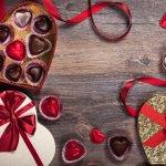 チョコレートは誰に贈っても喜ばれる定番ギフトとして知られており、結婚祝いのプレゼントにも多く選ばれています。今回は、そんな結婚祝いに最適な【2018年最新版】人気のチョコレートギフト12選をご紹介します。憧れのゴディバから気軽に贈れるチョコレートクッキーまで、幸せな2人にぴったりなギフト選びの参考にしてください。