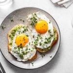 Ketika kita memilih jenis makanan kaya protein, banyak dari kita yang langsung ingat dengan telur. Bahan makanan ini tentu tak asing bagi kita. Jenisnya ada banyak, mulai telur ayam, telur bebek, hingga telur puyuh. Nah, yuk mencoba berkreasi membuat aneka hidangan dengan bahan utama telur. Dijamin rasanya enak dan kamu bisa membuatnya dengan mudah!