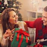 クリスマスに仲の良い男友達に贈りたいのが、ちょっとしたプレゼントです。今回は「2019年最新版」の男友達が喜ぶ500円程度のクリスマスプレゼントを、ランキング形式でご紹介します。コスパ抜群のプチプラアイテムなら、相手の男性の負担になりません。クッキーやビアグラスなどの魅力的なプレゼントを、贈る際に役立つ情報も交えて解説していきます。