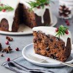 毎年ギフトの定番として人気を集めているのが、クリスマスケーキです。最近では帝国ホテルなどのおしゃれで美味しいクリスマスケーキを、通販やお取り寄せなどで手軽に買うことができるため、その人気はますます高まっています。そんなクリスマスケーキの【2018年最新情報】をご紹介しますので、ぜひケーキ選びの参考にしてください。