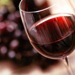 お酒を飲むのが好きな方への退職祝いには、おしゃれなお酒やワインのギフトが喜ばれます。今回は「2019年最新情報」として、退職祝いに相応しい人気のお酒やワインを集めました。ボトルに名入れできるものや、有名なお酒の飲み比べセットなどとても記念に残る特別なアイテムが多いのも特徴です。ぜひプレゼント選びの参考にしてください。