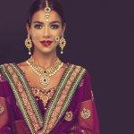 Kamu pencinta film-film Bollywood pasti terpesona akan kecantikan dan glamornya pernak-pernik perhiasan wanita-wanita India. Kamu ingin seperti mereka? Sekarang bisa kok. Saat ini sudah banyak aksesoris India yang dipasarkan di Indonesia.