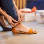 Sepatu sandal adalah jenis sepatu yang harus ada dalam koleksimu. Biasa digunakan dalam suasana santai, sepatu sandal juga cocok digunakan untuk acara formal. Yuk intip rekomendasi sepatu sandal dari BP-Guide yang bisa jadi pilihan gayamu berikut ini!