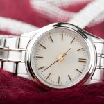大切な節目である還暦のお祝いに、少し特別なギフトを贈るならブランド腕時計がおすすめです。最近は60歳といってもアクティブな方が多く、どこでも持ち歩ける腕時計は重宝します。今回は還暦祝いに人気の腕時計【2021年最新版】を紹介します。これからも元気に時を刻んでいって欲しいとの願いを込めて、素敵な腕時計を選びましょう。