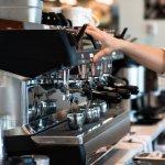 Bisnis kedai kopi kini sangat menjanjikan. Banyaknya anak muda yang suka ngopi, membuat kafe-kafe di berbagai kota tidak pernah sepi pengunjung. Kamu tertarik membuka kafe sendiri? Yuk, simak rekomendasi mesin kopi dari BP-Guide untuk melancarkan bisnismu.