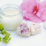 Oriflame adalah salah satu brand ternama dunia yang juga memiliki berbagai rangkaian produk kecantikan yang bisa kamu coba. Ingin tahu produk skincare Oriflame apa saja yang bisa kamu gunakan dalam rutinitas perawatan kulit harian? Simak rekomendasinya disini!