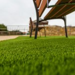 Menghias hunian dengan rumput akan memberikan sensasi dekat dengan alam yang sangat menyenangkan. Namun, rumput asli memerlukan perawatan yang rutin dan mahal. Berikut BP-Guide akan merekomendasikan deretan rumput sintetis terbaik yang tidak perlu dirawat, tapi tetap membuat dekorasi jadi lebih indah.