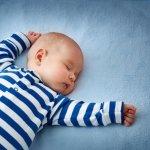 Ingin bayi Anda tidur dengan lelap di malam hari? Tentunya baju tidur yang digunakan haruslah lembut, tidak panas, sehingga terasa nyaman. Untuk itu, BP-Guide akan memberikan beberapa rekomendasi pilihan baju tidur terbaik untuk bayi Anda. Selamat menyimak!