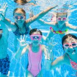 Aktivitas Berenang Anak Makin Seru dengan 10 Rekomendasi Baju Renang Anak Perempuan (2020)