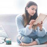 Đọc sách là một trong những cách thư giãn cũng như mở rộng kiến thức hiệu quả. Trong tình hình dịch bệnh Covid hiện nay, tranh thủ đọc vài cuốn sách kinh điển quả là một ý tưởng không tồi. Nếu bạn chưa tìm ra cuốn nào để đọc thì hãy tham khảo ngay Top 10 sách văn học hay nhất mọi thời đại giúp bạn thư giãn trong những ngày giãn cách ở nhà (năm 2021) dưới đây nhé!