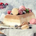 誕生日などのお祝いやプレゼントに、お取り寄せのアイスケーキの人気が高まっています。一度にたくさんのジェラートを楽しめるものやフルーツ盛り沢山のものなど、今注目のアイスケーキの2018年最新情報をお届けします。