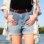 Celana pendek adalah fashion item yang jadi barang wajib dalam lemarimu. Anda yang gemar berpenampilan fresh dengan celana pendek wajib menyimak tips memilih celana pendek sesuai bentuk tubuh dan rekomendasi celana pendek wanita terbaru dari BP-Guide berikut ini!