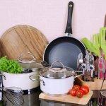 रसोई के अच्छे उपकरण खाना पकाने में महत्वपूर्ण भूमिका निभाते हैं : यहां 10 उत्कृष्ट रसोई के उपकरणों की सूचि तैयार की गयी है,जो आपके काम को मज़ेदार और आसान बनाएंगे ।(2020)