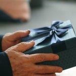 定年退職する上司・先輩・先生に喜ばれている【2020年最新版】人気の退職祝いプレゼントをランキング形式でご紹介します。 定年退職を迎える上司・先輩・先生に贈る退職祝いには、長年お世話になった目上の方へ贈るプレゼントとして記念に残るオリジナルギフトや名入れギフトが人気です。ぜひ参考にしてください。