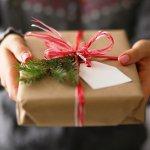 クリスマスには彼氏にぴったりのギフトを贈って、ふたりの絆を深めましょう。今回は、編集部が実際のデータをもとに厳選した、クリスマスプレゼントにおすすめのアイテムをランキング形式でご紹介します!この記事を読めば、20代の彼氏に人気のプレゼントがわかります。ぜひ参考にして、彼に喜んでもらえる素敵なアイテムを見つけてください。