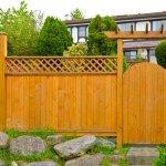 Pagar rumah dapat menjaga privasi bagi penghuninya. Tak sekadar dibangun begitu saja, pagar rumah juga memiliki desain yang bermacam-macam dan terbuat dari aneka material yang salah satunya adalah kayu. Ketahui tips untuk membuat pagar dan berbagai desain pagar kayu yang cocok diaplikasikan untuk hunian Anda.