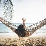Saat liburan di pantai, kamu bisa gunakan hammock untuk bersantai. Hammock cocok juga untuk kamu gunakan di gunung saat kemping atau untuk bermalas-malasan saat di rumah. Yuk, intip tips memilih hammock berkualitas dari kami.