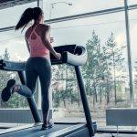 Treadmill merupakan alat olahraga yang nyaman dan cocok untuk banyak orang. Mereka yang sakit punggung, cedera lutut, hingga lutut lemah tetap bisa menggunakannya. Ini karena treadmill mampu mengurangi tekanan pada sendi sehingga aman digunakan. Nah, simak cara memilih treadmill terbaik dan juga rekomendasinya dari kami!