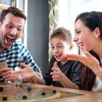 Permainan dadu tak hanya bisa dimainkan anak-anak tapi juga orang dewasa. Permainan dadu cocok dimainkan saat berkumpul bersama teman atau kerabat. Nah, berikut BP-Guide rekomendasikan beberapa permainan dadu menarik yang bisa dimainkan bersama. Atau bisa dijadikan hadiah menarik untuk teman atau kerabat.