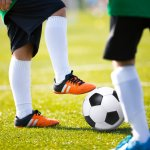 Sepatu bola Adidas sudah lama menjadi produk favorit internasional. Daya tahan, kualitas, dan fitur canggih jadi incaran pemain profesional maupun para penggila bola. Kini, di tahun 2017, Adidas mengeluarkan sederet model baru yang wajib dicek. Ini dia daftarnya!
