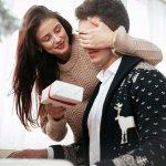 आपने अपने पति के पिछले जन्मदिन पर एक बटुआ और सालगिरह पर शर्ट ,अपने पति के लिए जन्मदिन के उपहार के लिए नए विचारों को आगे लाएं है ।इस लेख में हम आपको बताते हैं,की कैसे अपने पति को किसी रचनात्मक चीज़ से आश्चर्यचकित किया जाए। बीपी-गाइड इंडिया पति के लिए रचनात्मक और अनोखे उपहार विचारों के साथ आया है, जो आसानी से ऑनलाइन खरीदे जा सकते हैं।पति के जन्मदिन पर उपहार खरीदने के लिए हमारा मार्गदर्शन एक बार जरूर देखें।