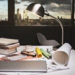 Lampu belajar atau lampu kerja adalah jenis lampu yang biasa digunakan di meja. Tentunya kebutuhan lampu meja menjadi sangat penting untuk belajar dan bekerja selama masa pandemi ini. Berikut beberapa ulasan dan rekomendasi terkait lampu belajar yang bisa Anda pertimbangkan.