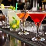 Jenis minuman cocktail memang banyak digemari karena kesegarannya dan jika kamu adalah penggemar minuman ini, kamu harus coba 10 cocktail terenak yang ada di Jakarta. Penasaran? Simak ulasan yang dirangkum BP-Guide berikut ini!