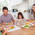 Ruang makan adalah salah satu tempat berkumpul. Di ruang makan ini, keluarga berkumpul dan bercerita pengalamannya sehari-hari, mulai dari sarapan sampai makan malam. Jadinya, Anda bisa mempertimbangkan untuk menghias ruang makan agar lebih menarik ketika berkumpul bersama keluarga.