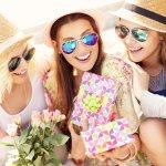 Tak Perlu Mahal, 8 Rekomendasi Hadiah Sederhana yang Unik Ini Bisa Kamu Berikan untuk Sahabat Tercinta
