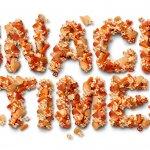 Siapa yang tak suka cemilan? Hampir semua orang menyukai ngemil. Kegiatan mengunyah di luar waktu makan ini ternyata memberikan beberapa manfaat asalkan cemilan rendah kalori dan menyehatkan. Seperti apa cemilan yang menyehatkan? Baca terus artikel Bp-Guide.