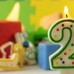 2歳の誕生日プレゼントとして人気のアイテム【2020年最新ランキング】をご紹介します。成長の早い2歳児が楽しめ、パパやママもうれしいプレゼントをまとめました。喜ばれるプレゼントの選び方や予算も合わせた記事をぜひ参考にしてください。