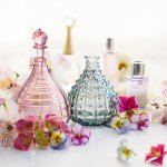 Harum dan Meneduhkan, Inilah 11 Rekomendasi Parfum Wanita Berhijab yang Segar Banget (2020)