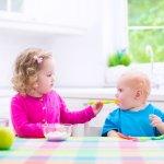 Makanan yang diberikan untuk anak tak boleh sembarangan, lho. Berbeda dengan orang dewasa, anak umur 1-5 tahun sedang dalam masa penting. Sehingga tentu makanannya harus bergizi. Artikel ini akan membantu Anda untuk memilihkan camilan yang bergizi agar anak bisa tumbuh dengan sehat.