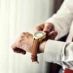 腕時計は小さなファッションアイテムですが、デザインや素材によって相手に与える印象が大きく変わります。ハミルトンは、ビジネス向けのシリーズや、カジュアル向けのシリーズなど、さまざまなデザインのメンズ腕時計を展開しているブランドです。誰でもお気に入りの1本が見つかるシリーズの多さが、ハミルトンの一番の魅力。今回は、ハミルトンの人気シリーズランキングだけでなく、選び方もご紹介します!ぜひ素敵な1本を見つけてください。