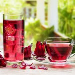 Sehat itu bisa didapat dengan menjalani gaya hidup sehat. Mengonsumsi minuman kesehatan juga bisa menjadi salah satu cara untuk menjaga kesehatan. Salah satu minuman sehat yang bagus adalah teh rosella yang manfaatnya sangat banyak untuk kesehatan tubuh. Dari sekian banyak merek teh rosella yang beredar, mau tahu mana yang terbaik? Yuk, cari tahu disini!