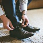 新社会人にとって、初めてのビジネスシューズは重要な仕事のパートナーです。最善の一足を選ぶために、人気のブランド革靴を2021年最新版ランキングでご紹介します。革靴のプレゼントは、毎日外回りで長く歩く方やオフィスで事務仕事を中心に行う方など、それぞれの職種や環境に合わせて選びましょう。