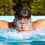10 Pilihan Kacamata Renang Ini Bikin Performa Kamu Makin Oke di Kolam Renang!