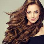 Ingin memiliki rambut dengan warna menarik tanpa perlu repot ke salon? Bisa kok! Tak perlu ragu, kamu bisa gunakan sampo pewarna rambut yang banyak dijual di pasaran, seperti rekomendasi BP-Guide berikut!