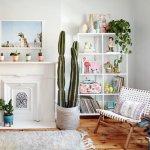 Sebagian wanita ada yang hobi berkebun atau menanam bunga. Ternyata tanaman juga menjadi dekorasi yang cantik untuk ruangan di dalam maupun di luar rumah. Untuk menambah nilai estetika pada tanaman, rak pot bunga dengan desain yang unik dan cantik bisa jadi tempat memajang aneka tanaman.