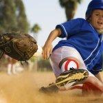 Memilih satu jenis olahraga memang sangat dianjurkan guna melatih keterampilan fisik. Perlengkapan yang dibutuhkan juga perlu dipenuhi. Hal ini selain untuk menunjang latihan juga sebagai pengamanan tubuh ketika berlatih.  Jika tertarik bermain softball, perhatikan aturan bermainnya dan lengkapi dengan perlengkapan softball yang sesuai.