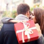Top 10 món quà cho bạn trai mang đến sự bất ngờ thú vị giúp gia tăng hương vị tình yêu (năm 2021)