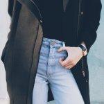 Celana jeans high waist kembali muncul menjadi tren. Khususnya bagi wanita, celana satu ini menjadi pilihan yang pas untuk melengkapi tampilan kamu yang seksi dan memikat. Ingin tampil keren dengan celana high waist, ini tipsnya.